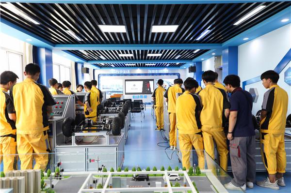 初中生学什么技术有发展前景?容易就业?