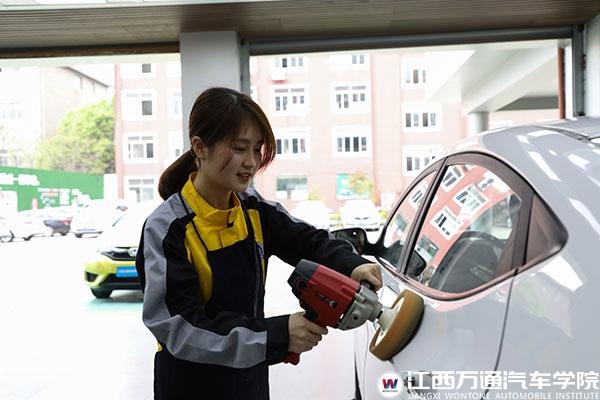江西万通春季招聘会即将开启 女生受众多企业青睐