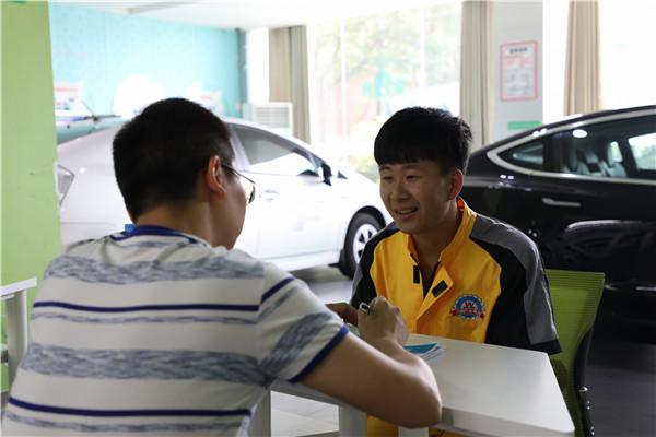 又双叒叕来一场招聘会,江西万通学子就业形势大好!