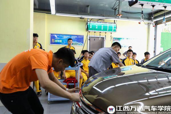 【技术大讲堂】橘子养车带来汽车美容之漆面研磨技术展示